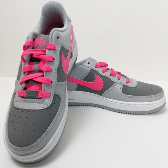 NWOT Nike Air Force 1 Low Girls Sneaker